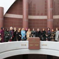 vali-e%C5%9Fleri-192x192 Vali Eşi ve Vali Yardımcılarının Eşleri Celal Bayar Anıtını ve Müzesini Ziyaret Ettiler