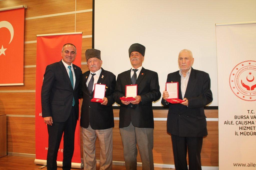 Gemlik Muharip Gazilere Kıbrıs'tan Madalya ve Berat
