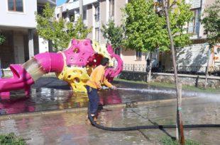 Gemlik Belediyesi çocuk parklarında temizlik ve bakıma devam ediyor