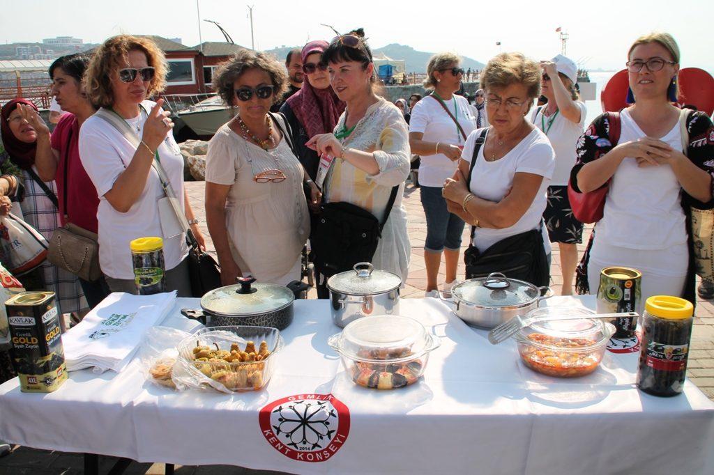 Zeytinyağlı Yemek Yarışmasında Büyük Rekabet