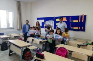 Kültür Koleji Öğrencilerine kırtasiye malzemeleri dağıtıldı