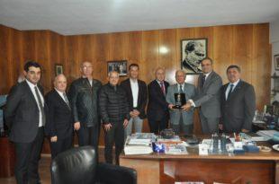 GTSO eski Başkan Kemal Akıt'a onur plaketi verdi