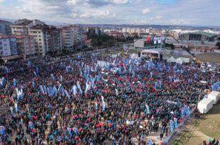 Türk Metal SendikasıBursaMitingi'nde binlerce işçi buluştu