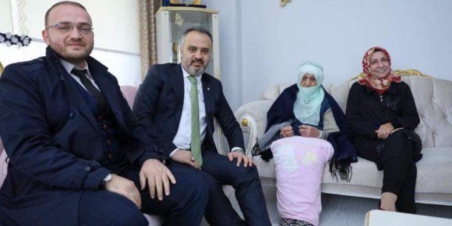Aktaş ve Yiğit'ten 107 yaşındaki Zahide Nine'ye ziyaret