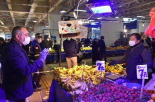 """Başkan Sertaslan'dan pazarcılara önemli uyarı: """"Kurallara uymayanın, tezgâhını kapatırız"""""""