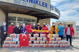 Galatasaraylılardan Kamu Görevlilerine 10 bin adet su desteği