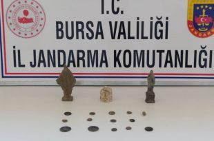 Gemlik Kurşunlu'da tarihi eser kaçakçıları suçüstü yakalandı