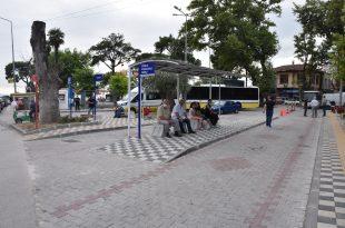 Otobüs durakları yenilendi