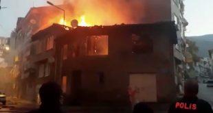 Gemlik'te eski bina alev alev yandı
