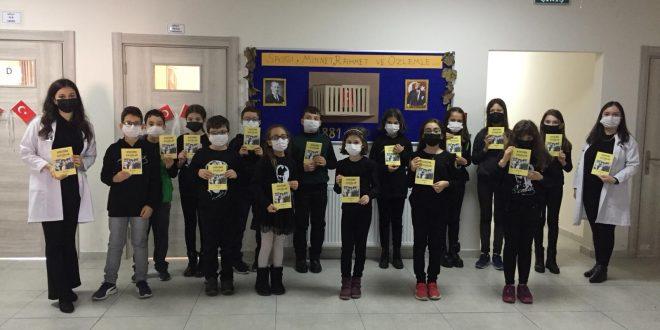 Gemlik Belediyesi'nden öğrencilere kitap hediyesi