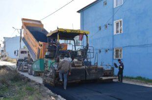 Bir günde dört sokağa 750 ton asfalt