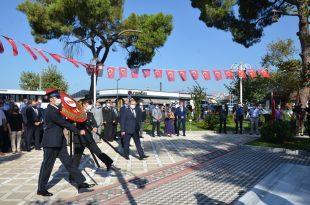 30 Ağustos Zafer Bayramı Resmi Programı Atatürk Anıtı önünde gerçekleşti