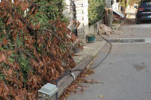 Umurbey'de iletişim hatları ilgi bekliyor