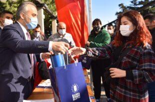Üniversite adaylarına Bursa Büyükşehir desteği
