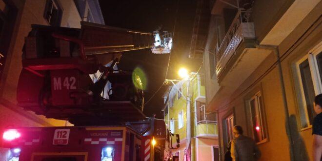 Gemlik'te korkutan yangın Dumandan etkilenen 2 kişi hastaneye kaldırıldı