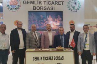 AK Parti Teşkilatı Zeytin Fuarında