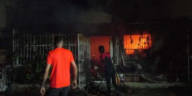 Kumla'da ev yangını..